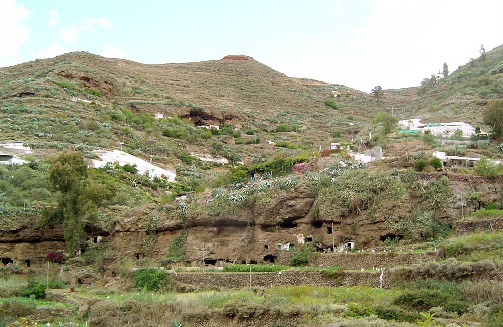 old-cave-houses-at-el-tablado